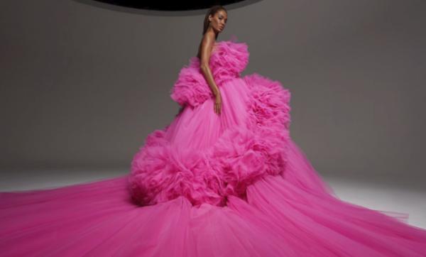 Giambattista Valli's Haute Couture 19 collection